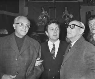 Херлуф Бидструп, Илья Глазунов и Жан Эффель в мастерской художника. Москва