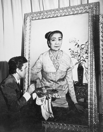 Ilya Glazunov Finishes the Portrait of Her Majesty the Queen of Laos  Ckhamhuya. Laos